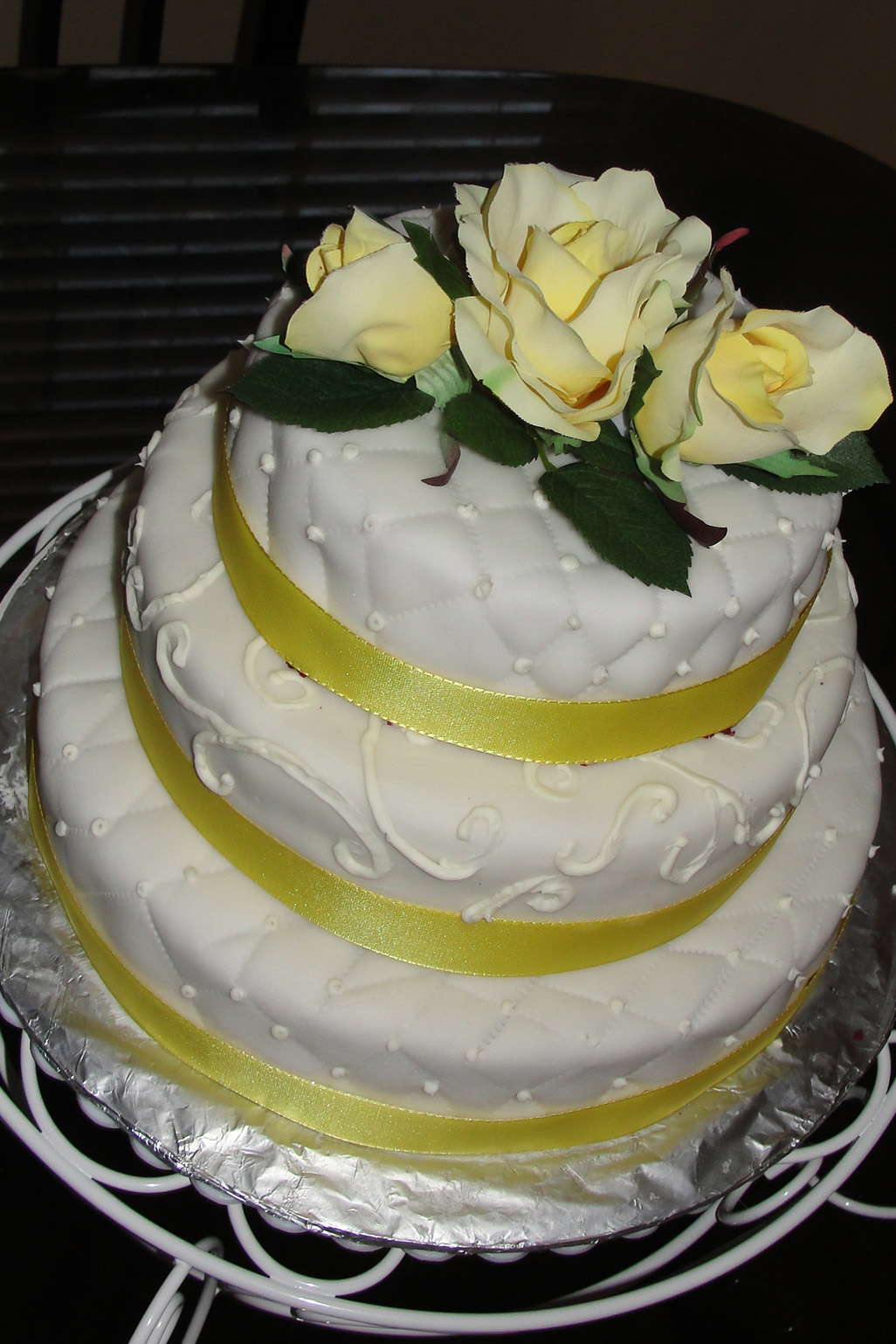 how to make a white wedding cake from scratch white fondant wedding cake 15914